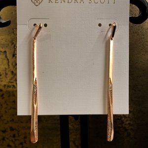 KENDRA SCOTT Melissa earrings in ROSE GOLD
